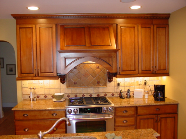 Maple Mocha Glaze Kitchen Cabinets